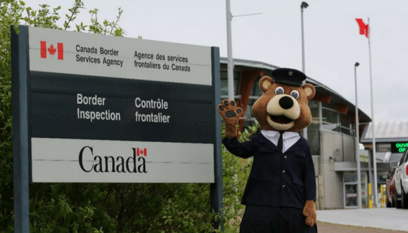 Canada Border Servics Agency Summer Border Crossing Checklist from Evelyn Ackah founder and managing lawyer at Ackah Business Immigration Law 1
